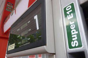 Carburante, da oggi le nuove etichette europee